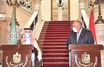 Suudi Arabistan Dışişleri Bakanı, Kahire'de Libya meselesini görüştü