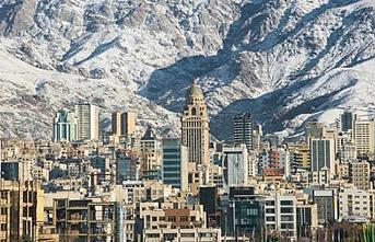 Tahran'da bir pasajda yangın çıktı