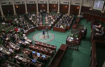 Tunus'ta Nahda Hareketi Fahfah hükümetinden güvenoyunu çekme kararı aldı