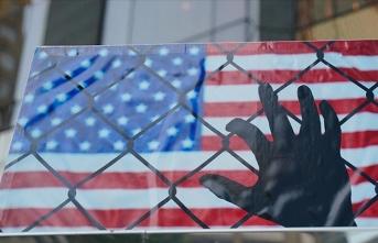 ABD göçmenleri tek kişilik hücrelere kapattı