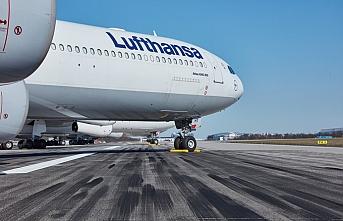 Alman hükümeti Lufthansa'nın diğer ülkelerden devlet yardımı almasına yeşil ışık yaktı
