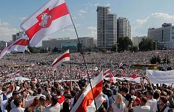 Almanya'dan Belarus'taki göstericilere destek