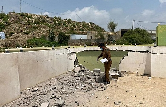 Arap Koalisyonu, Yemen'de Husilerin konvoyunu bombaladı