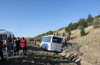 ASELSAN personelini taşıyan minibüs kaza yaptı: Ölü ve yaralılar var