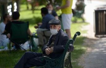 Bazı illerde 65 yaş üstü vatandaşların sokağa çıkmasına saat kısıtlaması getirildi