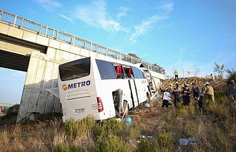 Beş kişinin öldüğü kazada şoför uyudu iddiası
