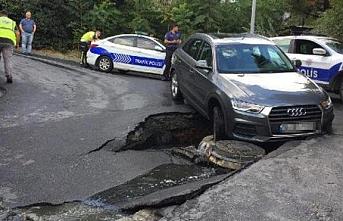 Beşiktaş'ta sağanak yağış yolu çökertti