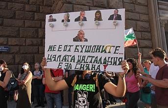 Bulgaristan'da siyasi gerginlik..Çadır kentler kaldırıldı