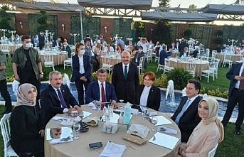 Davutoğlu düğün fotoğrafına açıklık getirdi