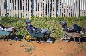 Güney Afrika Cumhuriyeti'nde günlük Kovid-19 vaka sayısı 540 bine yaklaştı