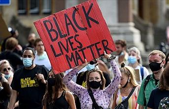 İngiltere'de 'Siyahların hayatı önemlidir' gösterileri aşırı sağı daha da radikalleştirdi