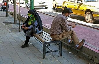 İran'da Kovid-19 nedeniyle son 24 saatte 163 kişi hayatını kaybetti