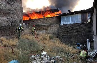 İran'ın Semnan eyaletinde elektrik santralinde yangın