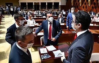 Kuzey Makedonya'da yeni hükümet güvenoyu aldı
