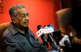 Malezya'nın eski Başbakanı Mahathir, yeni parti kuracağını duyurdu