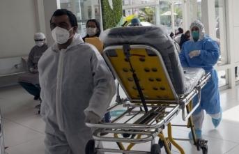 Polis gece kulübüne korona baskını yaptı, izdiham çıktı: 13 ölü