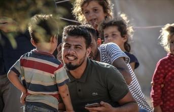 Suriyeli Firas Mansur kendini iç savaş mağduru sivillere adadı