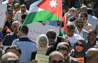 Ürdün'ün öğretmenleri sendikaları için sokaklara çıktı