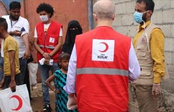 Yemen'de Türk Kızılay 13 bin aileye kurban eti dağıtıyor