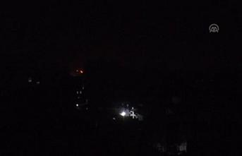 Yemen'in geçici başkenti Aden karanlıkta kaldı