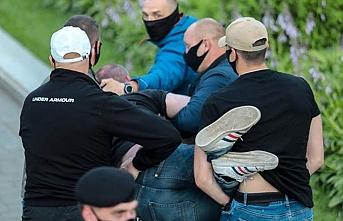 Belarus'taki protestolara ve gözaltılara devam