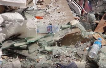 Beyrut'taki patlamanın geride bıraktığı kırık camlar, ekonomiye geri kazandırılıyor