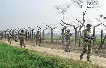Cammu Keşmir'de Kontrol Hattı'nda açılan ateşte bir Hint askeri öldü