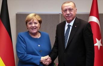 Cumhurbaşkanı Erdoğan, Almanya Başbakanı Merkel ile video konferans görüşmesi gerçekleştirdi