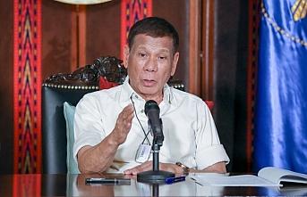 Duterte talimat verdi: Uyuşturucu kaçakçılarını öldürün