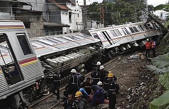 Endonezya'da tren otomobile çarptı: 3 ölü, 4 yaralı