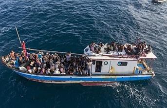 Endonezya'da denizde mahsur kalan 297 Arakanlı Müslüman kurtarıldı