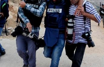 İsrail güçleri Batı Şeria'da yine AA'yı hedef aldı