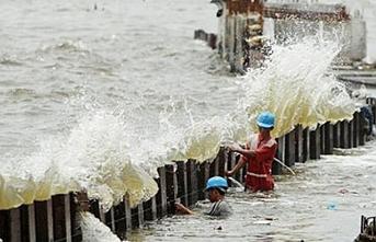 Japonya'da tayfun alarmı: Rekor yağış bekleniyor