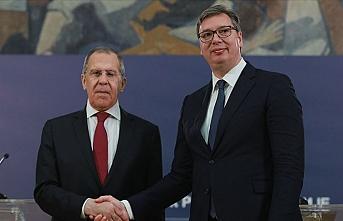 Lavrov Sırp lider Vucic ile görüştü