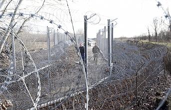 Macaristan tüm sınırlarını kapatıyor