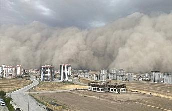 Meteoroloji uyardı: Ankara'da meydana gelen toz fırtınasının yenisi geliyor