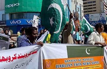 Pakistan'da binlerce Hindu Hindistan'ı protesto etti