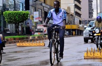 Uganda, sınırları 6 ay sonra açtı