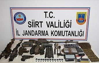 Yıldırım-11 Herekol Operasyonu'nda öldürülen teröristlere ait silah ve mühimmat ele geçirildi