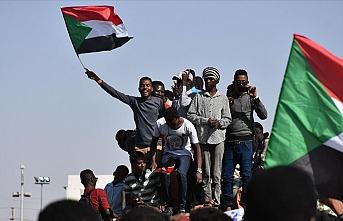 ABD'nin 'terör listesinden' çıkmak isteyen Sudanlılar İsrail'le normalleşme şartını reddediyor
