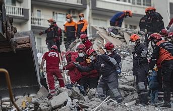 Bakan Kurum: 5 bin arama kurtarma personeli çalışma yürütüyor