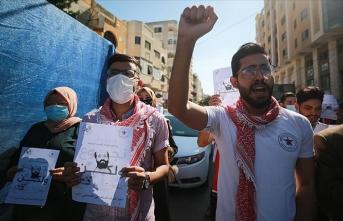 Gazzeliler açlık grevindeki Ahres'e destek verdi