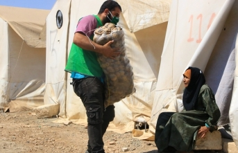 İHH'dan Afrin'de patates yardımı
