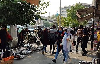 İran'da 251 kişi daha koronavirüsten öldü