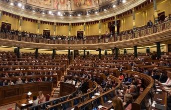 İspanya'da önerge reddedildi, hükümet düşmedi