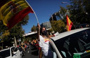 İspanya'da vaka artışı devam ediyor