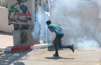 İsrail askerleri Batı Şeria'daki gösteride 15 Filistinliyi yaraladı