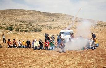 İsrail, Cuma Namazı kılan Filistinlilere göz yaşartıcı gazla saldırdı
