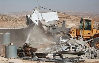 İsrail, Filistin'de evleri yıkmaya devam ediyor
