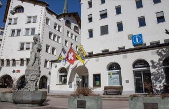 İsviçre bir günde en yüksek vaka sayısına ulaştı